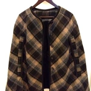 ZARA cape with buttons and inner pockets